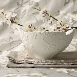 bol labrado con flores de algodón