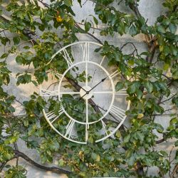 Reloj de pared Bradshaw crema