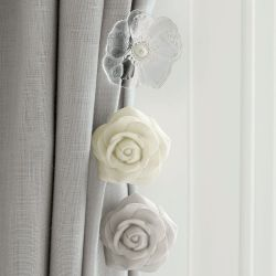 recogepaños rose flower pintado en crema