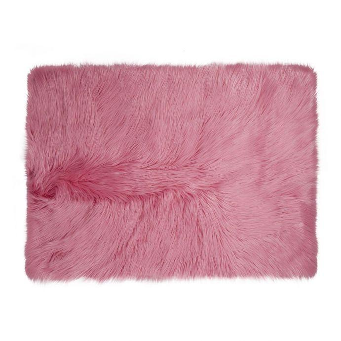 alfombra de pelo rosa fucsia de diseño