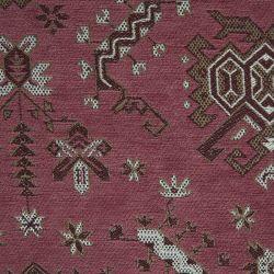 cojín de diseño kilim en rojo arándano