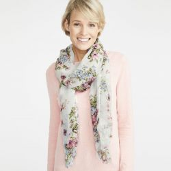 pashmina floral de estilo Laura Ashley