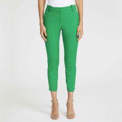 pantalón verde tobillero ajustado muy veraniego