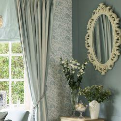 espejo de pared de diseño romántico en blanco desgastado