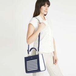 bolso con diseño naútico de rayas marineras en azul