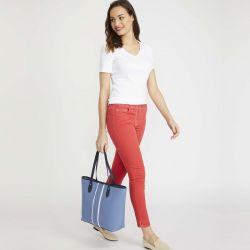 bolso tipo tote en azul con rayas blancas