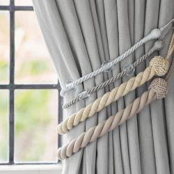sujeción para cortinas en forma de cuerda y esferas acrílicas de diseño