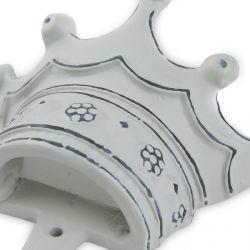 perchero en forma de corona gris