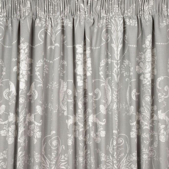 cortinas confeccionadas en tejido estampado gris acero de diseño