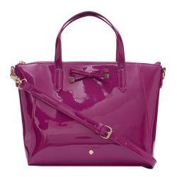 bolso color cereza con detalle de lazada de diseño