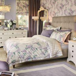 ropa de cama estampada con flores lilas de diseño