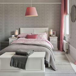 ropa de cama estampada con flores rosas de diseño