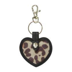 llavero con forma de corazón y piel de leopardo