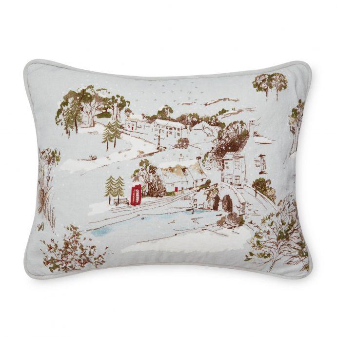 cojín bordado paisaje con nieve, ideas de regalo para decorar en Navidad