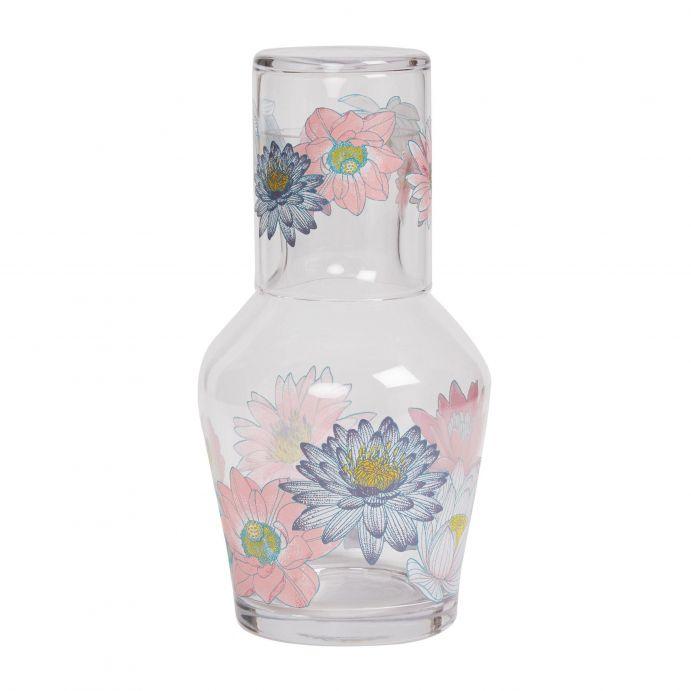 vaso y botella de cristal decorados con flores