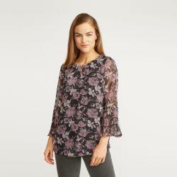 blusa ligera con rosas y manga plisada de diseño
