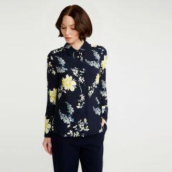 camisa azul marino de flores amarillas de diseño