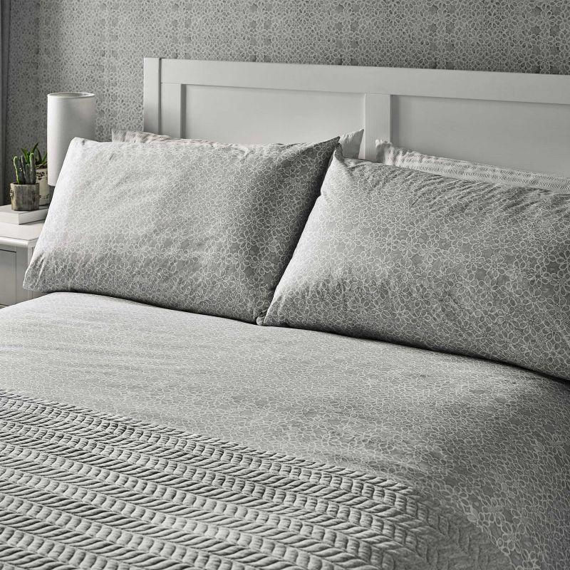 fe2fbc5dd ... ropa de cama de diseño y calidad en gris plata para camas bonitas