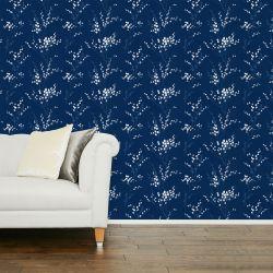 papel pintado azul oscuro con ramas de algodón en blanco