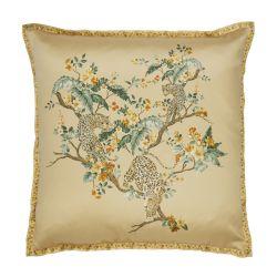 cojín bordado con leopardos jugando entre ramas de flores colores dorados