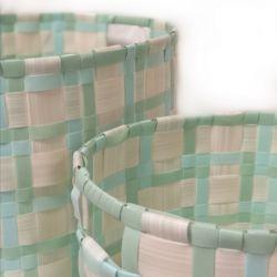 2 cestas trenzadas azul y verde