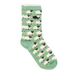 Calcetines verdes con ovejas esponjosas