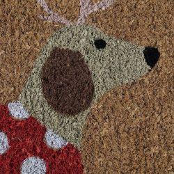 felpudo de fibra con perro disfrazado de reno y traje rojo de lunares