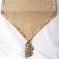 camino de mesa berkeley dorado