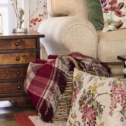 manta de lana de diseño clásico en color rojo y natural