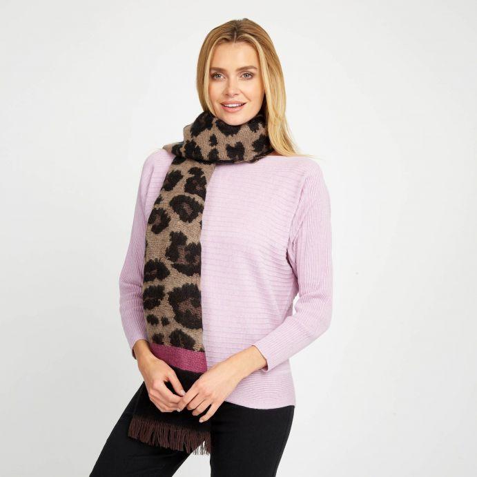 Bufanda con  estampado leopardo