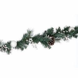 guirnalda verde y blanco de Navidad con luz