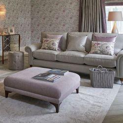 alfombra elegante de diseño clásico en color gris claro