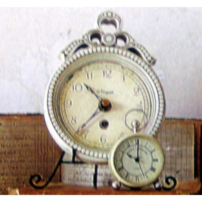 reloj de sobremesa monroe