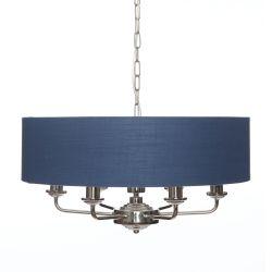 lámpara de techo con gran pantalla cilindro en color azul intenso