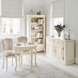 aparador con dos cajones y dos armarios color marfil en madera maciza de estilo rústico clásico