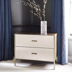 cómoda de dos cajones de diseño espejado combinado con madera y metal bronce