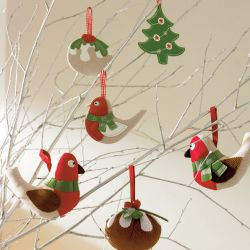 decorar el árbol de navidad con figuras blanditas