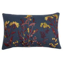 cojín rectangular azul oscuro bordado con flores doradas