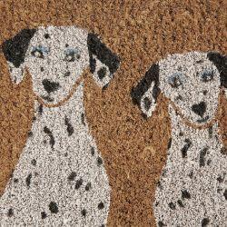 felpudo con perros dálmatas estampados
