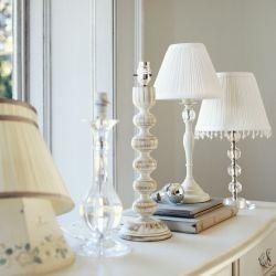 base de lámpara de madera blanca torneada envejecida