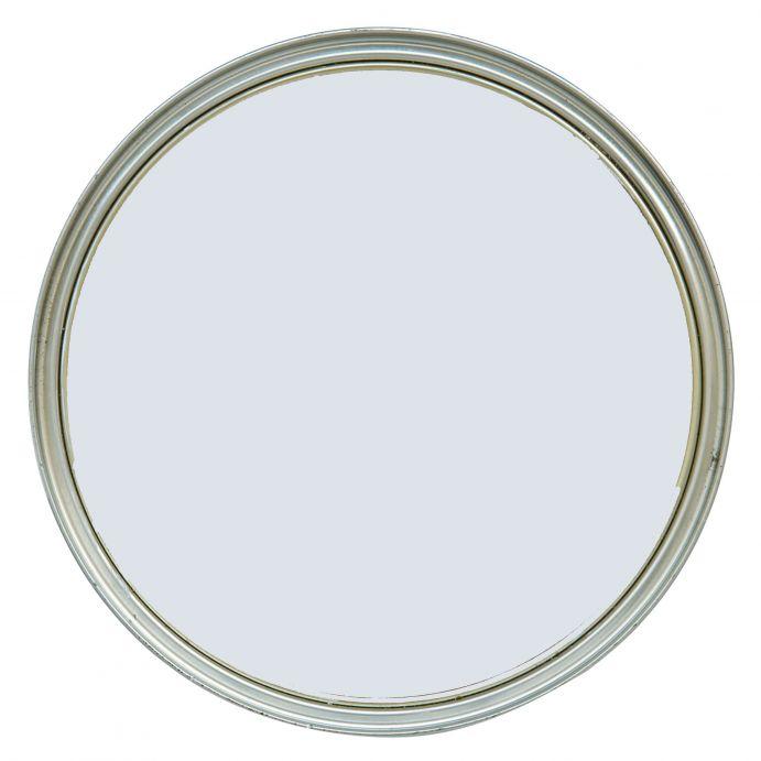 pintura de interior blanca con matices azul mar