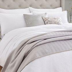 conjunto de funda nórdica para cama en color blanco de diseño rizado
