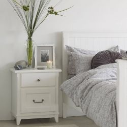 mesilla con dos cajones en madera maciza blanca lacada
