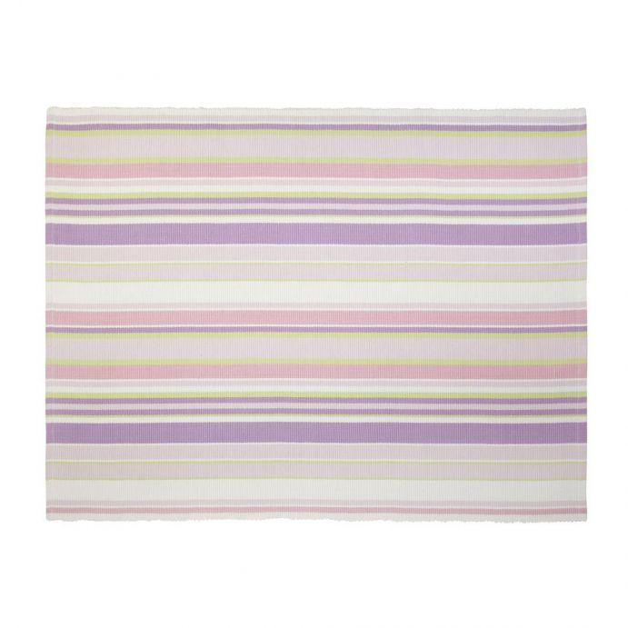 alfombra tejida niña rosa