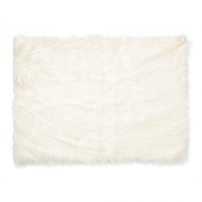 alfombra de pelo blanco