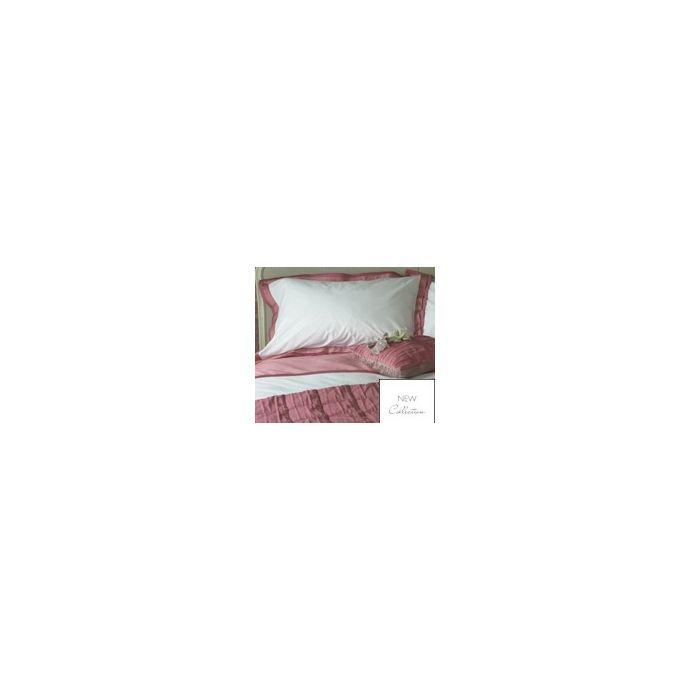 ropa de cama rosa y blanco
