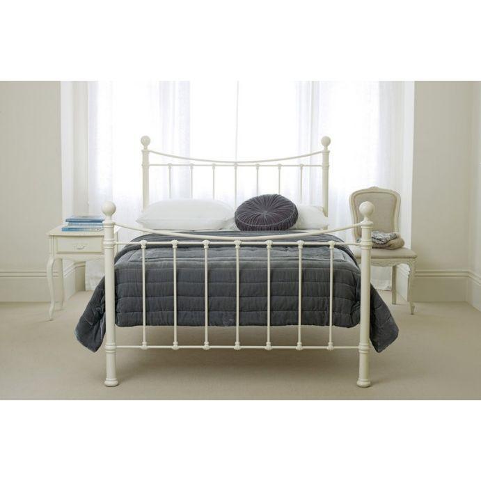 cama de forja de diseño en acabado blanco crema marfil