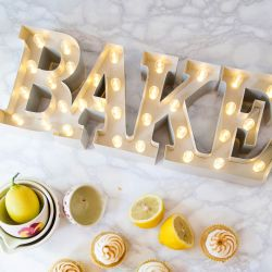 letrero luminoso BAKE