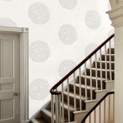 papel pintado de círculos adamascado en gris, de Laura Ashley