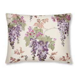 cojín de flores bordadas Wisteria morado, Laura Ashley